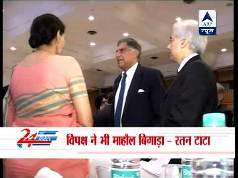 Ratan Tata backs Manmohan Singh