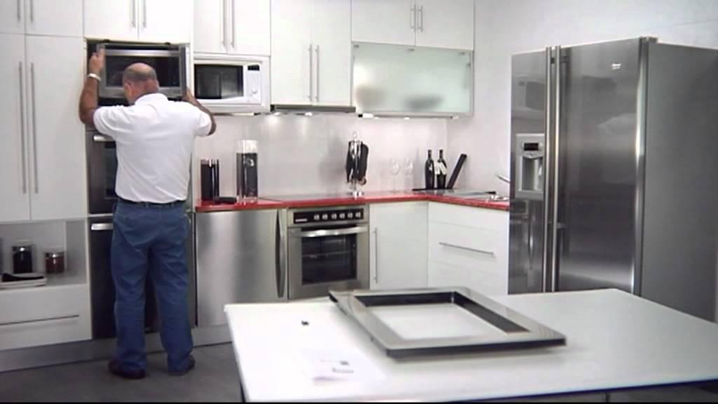 08 instalaci n microondas en columna youtube for Mueble para encastrar horno y encimera