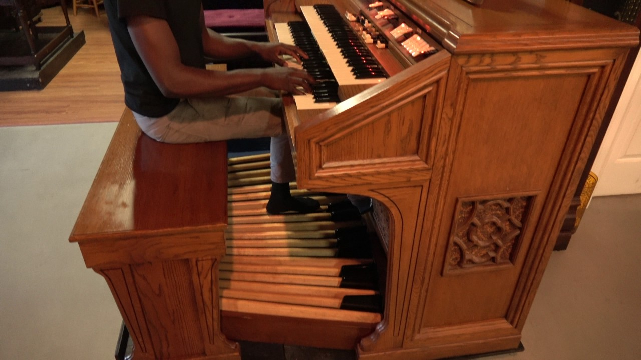 hammond 820 church organ 32 pedals for sale at keyboard exchange youtube. Black Bedroom Furniture Sets. Home Design Ideas