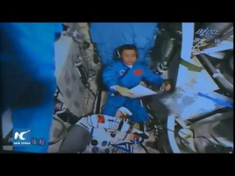 Live: Chinese astronauts enter Tiangong-2 space lab from Shenzhou-11 spacecraft |New China TV