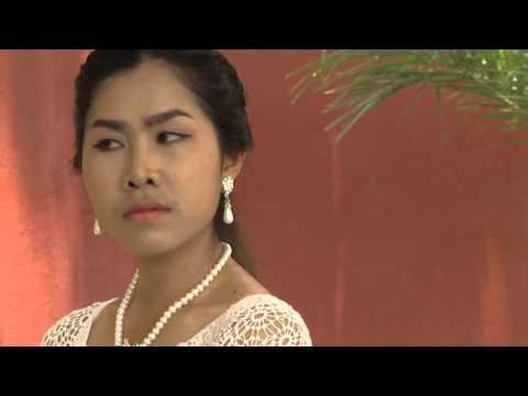 """"""" เศรษฐี กยศ """" THE4418 อ.ชิษณุพงศ์ อินทรเกษม รายวิชาภาษาไทยเพื่อการแสดง ภาคการศึกษา 2/2558"""