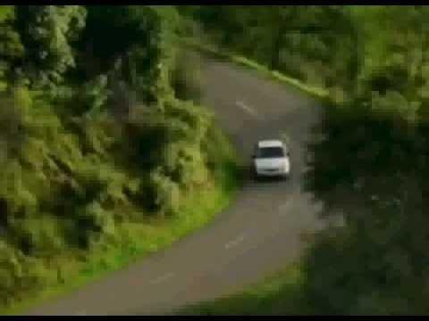 La petite voiture qui fait peur youtube for Miroir qui fait peur