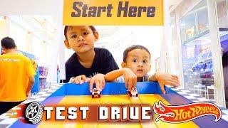 Hot Wheels Baru Langsung Test Drive di Sirkuit | Hotwhels Indonesia