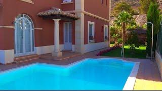 Недорогая вилла в Испании с бассейном, видом на море, в престижной месте Сьерра Кортина, Бенидорм