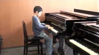 カワイこどもコンクールの2011年4月本選で子守歌と共に演奏しました。