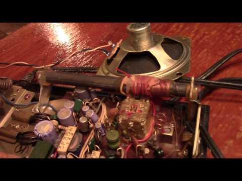 Repairing A Vintage Panasonic Flip-Clock Radio