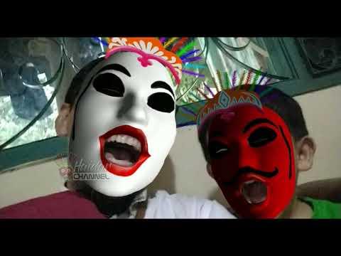 video-lucu-pakai-topeng-ondel-ondel-betawi-warna-merah-putih-~-big-and-little-mask-puppets