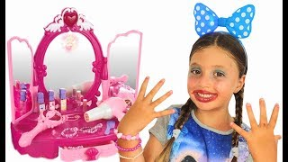 Dominika pretend play with New toys for Girls