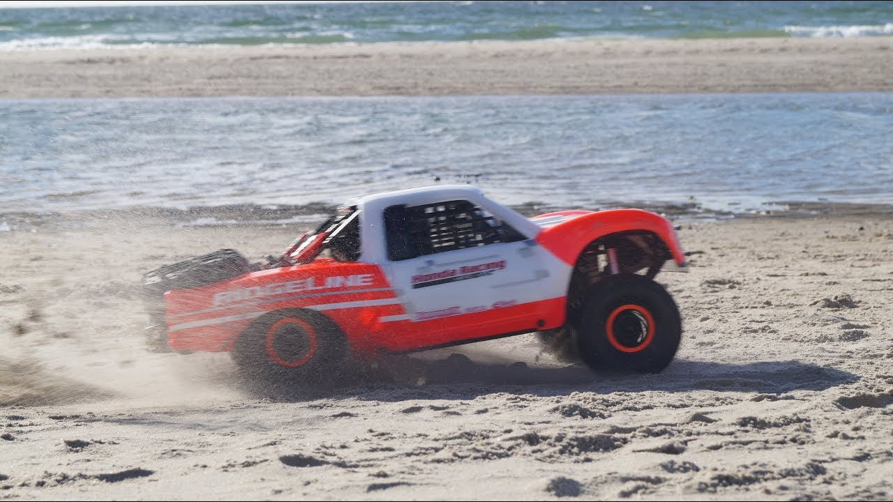 Traxxas UDR (Honda Ridgeline Race Truck) with On Board Audio! - YouTube