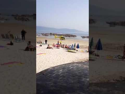 Fallece un bañista en la playa de A Carabuxeira, en Sanxenxo
