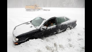 The winter storm moving up the east coast reached the mid-Atlantic states, dropping snow in coastal areas of Maryland and Delaware. It made roads dangerous in North Carolina and could drop over 20 centimetres of snow on the Boston area on Thursday. (The Associated Pre