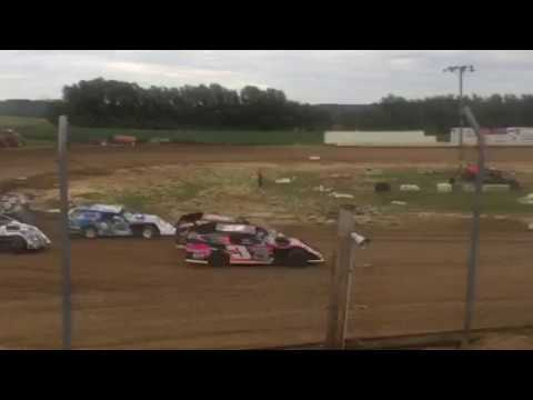 35 Raceway 6-23-2018 Heat race - Zach Ackley wins
