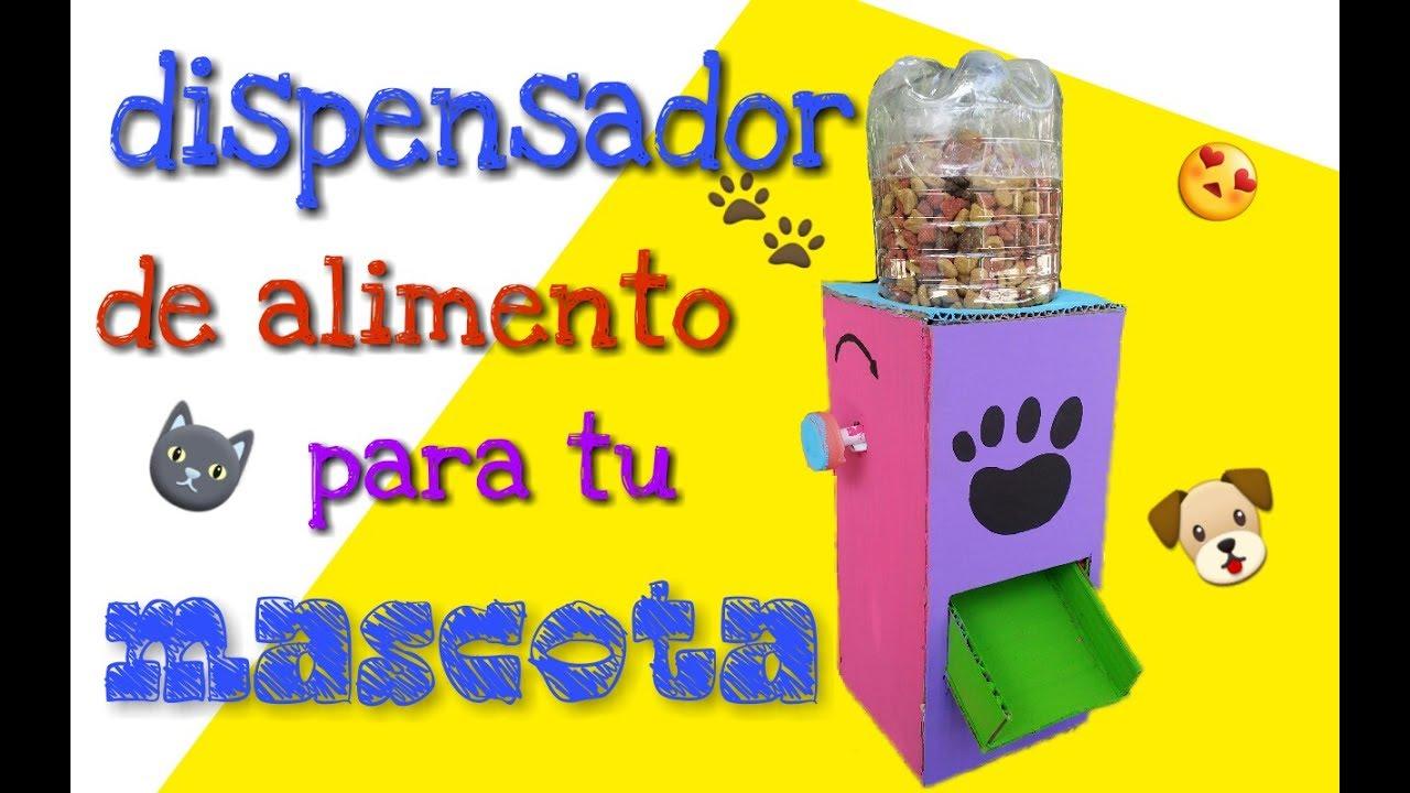 Dispensador de alimento para mascotas hecho de material for Dispensador de comida para perros