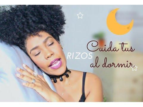 3 formas para dormir con el pelo afro-rizado.