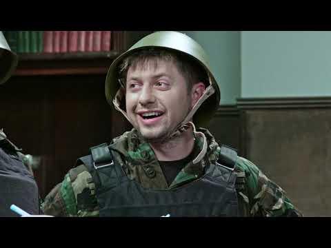 На троих 5 сезон 30 серия   Школа в опасности, родители заминировали кабинет из-за медали сына! - Смешные видео приколы
