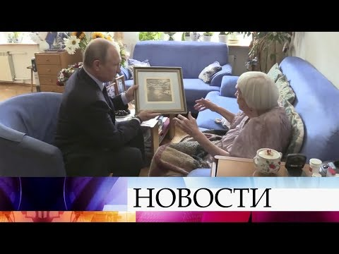 Президент Владимир Путин поздравил правозащитницу Людмилу Алексееву с90-летием.