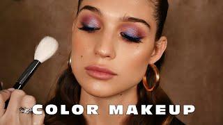 Цветной макияж со стрелкой