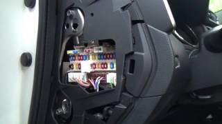 видео Блок предохранителей Nissan X-Trail