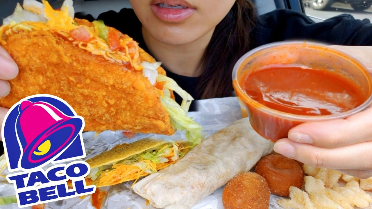 ASMR EATING TACO BELL NAKED CHICKEN CHALUPA CAR MUKBANG CHEESE 먹방 REAL EATING TWILIGHT SHOW