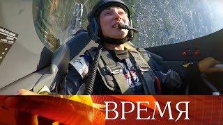 Головокружительные виражи на авиагонках в Казани: корреспондент Первого канала испытала все на себе.