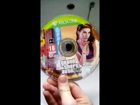 How to clean YOUR GTA 5  Disc properly Xbox one