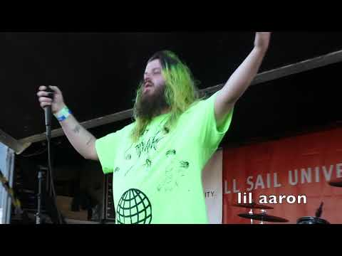 LAST WARPED TOUR   Alleygside (Clips from BVB, Lil Aaron, Motionless in White & more)