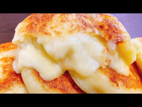 Cheese Burst Pizza Recipe | Homemade Domino's Restaurant Style - CookingShookingиз YouTube · Длительность: 9 мин30 с