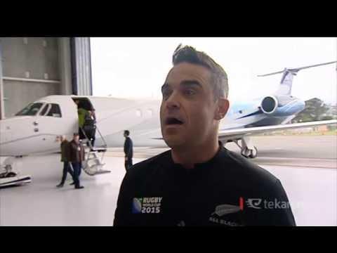 All Blacks fan Robbie Williams left speechless after haka pōwhiri