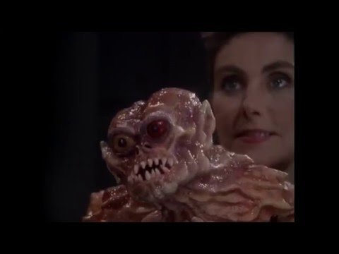 "Laura Branigan acting in ""Monsters"" ep. ""A Face for Radio"" [cc]  (1991)"
