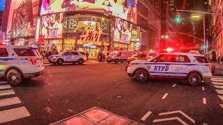 Беспорядки в центре Нью Йорка. Еда. Современное искусство.