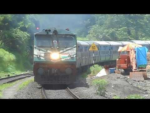 "12217/ KOCHUVELI - CHANDIGARH KERALA SAMPARK KRANTI EXPRESS WITH ""TOASTER"" WDP 3A ON KONKAN RAILWAYS"