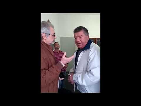 El jefe comunal de Hugues echó con violencia a su sucesor