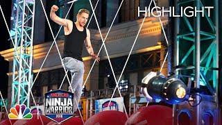 Derek Hough's Ninja Warrior Run for Red Nose Day - American Ninja Warrior 2018