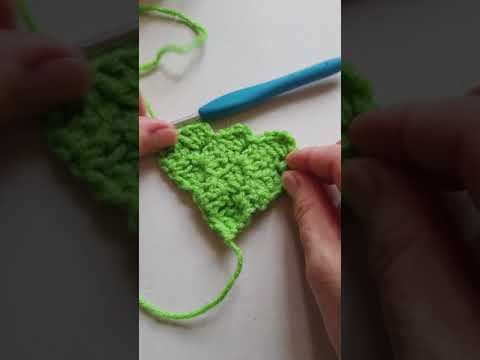 How To Do Corner to Corner (C2C) Crochet with increase and decrease.