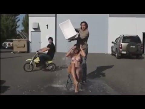 Ледяной душ ALS Ice Bucket Challenge от Джареда и Дженсена [rus subs]