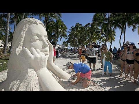 يورو نيوز: نحاتو الرمال يقدمون أعمالهم على شاطئ فلوريدا
