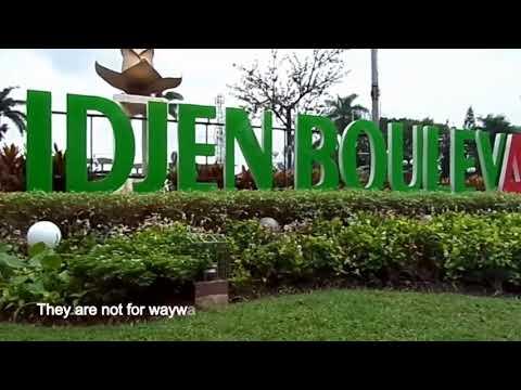 Linguistic Landscape I : Billingual Street Signs of Malang, Indonesia