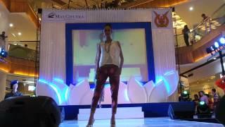 VIDEO Fashion show Remaja putri Totok Sahak Modeling School