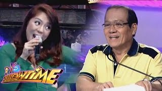 PNoy & Kris impersonators visit Showtime thumbnail