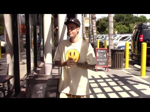 Justin Bieber Drops By Dunkin&39; Donuts in Studio City