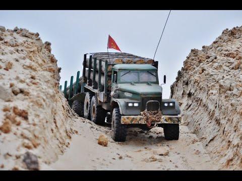 RC AXIAL SCX10 6x6 Kraz-255 logging truck @ dust track