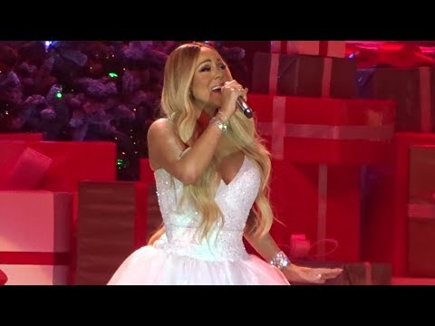 Mariah Carey (05) Christmas (Baby please come home) (Göteborg, Sweden) (12-03-2018)