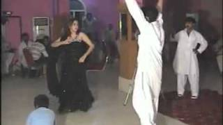 NEW PUNJABI GIRL DANCE WITH PASHTO MAST MUSIC  _ WEDDING 2 (PESHAWARI BEAUTY)