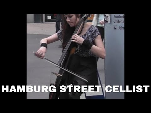 Electric Cellist in Hamburg, Germany