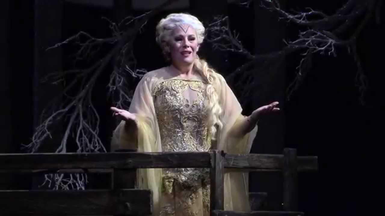 Norma 2014 15 sondra radvanovsky aria casta diva youtube - Norma casta diva bellini ...