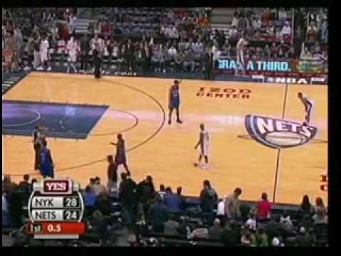 Nate Robinson shoots on wrong basket