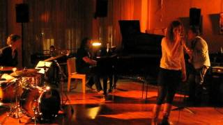 Green Eyes - Erykah Badu