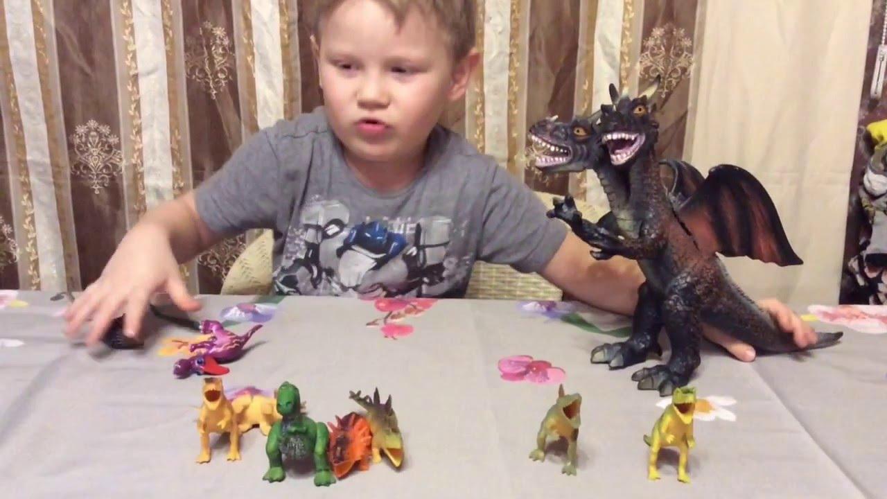 Парни балуются с игрушками фото 528-637