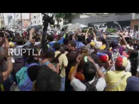 Venezuela: Protests erupt in Caracas as attorney general disputes pro-Maduro Supreme Court