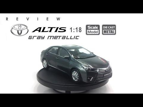 โมเดลรถ TOYOTA Altis 2014 (Gray Metallic) ขนาด scale 1:18